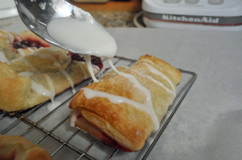 Thanksgiving Leftovers Recipe: Cranberry Pastries:www.laurabraydesigns.com