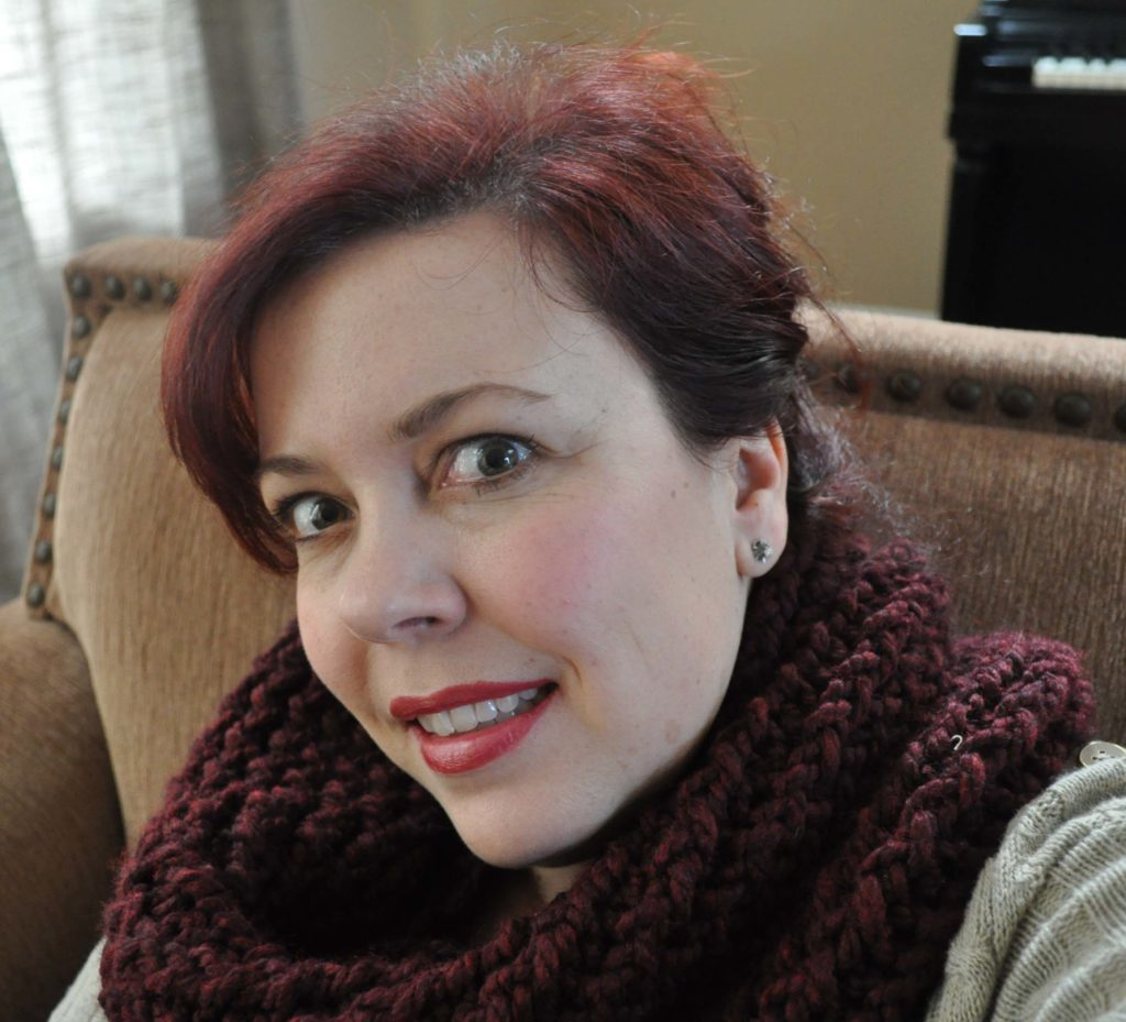 Claret Cowl made with a Knifty Knitter www.laurabraydesigns.com