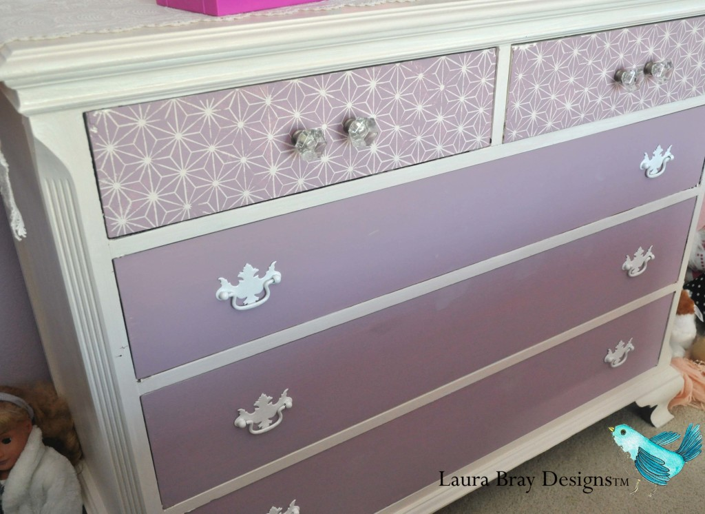 Makeover Dresser Hardware with Krylon Spray Paint