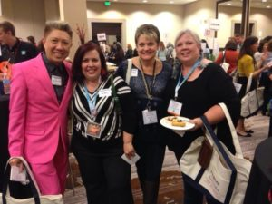 Tips for Successful CHA Trade Show||www.LauraBrayDesigns.com