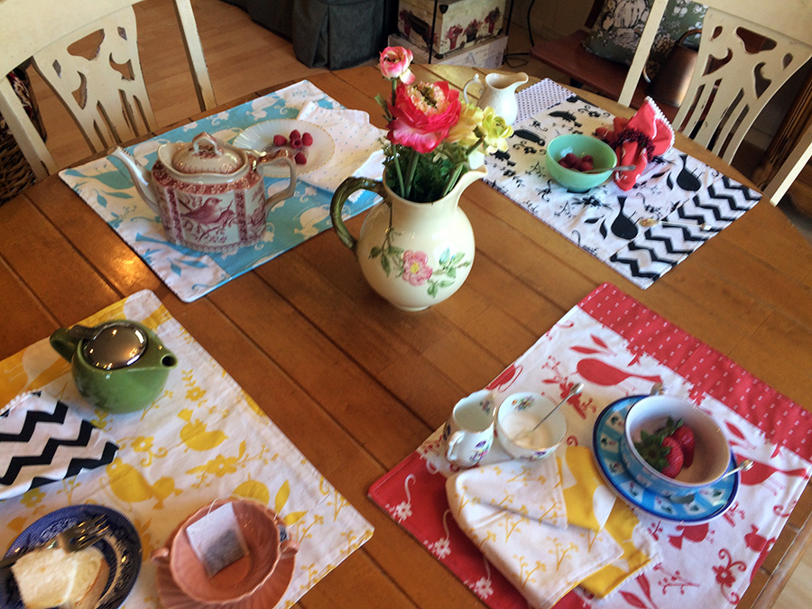 Summer Table Setting with Laura Bray's Garden Shadows Fabric